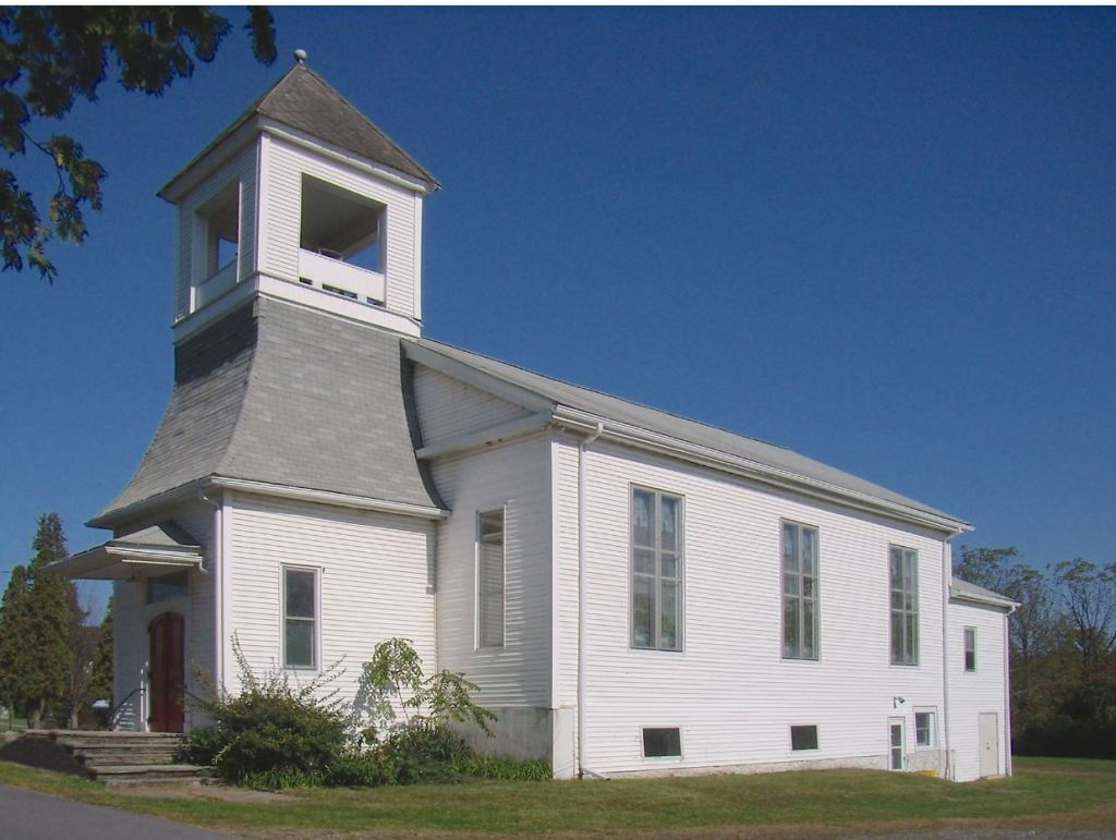 This image has an empty alt attribute; its file name is uucwv_church-1.jpg